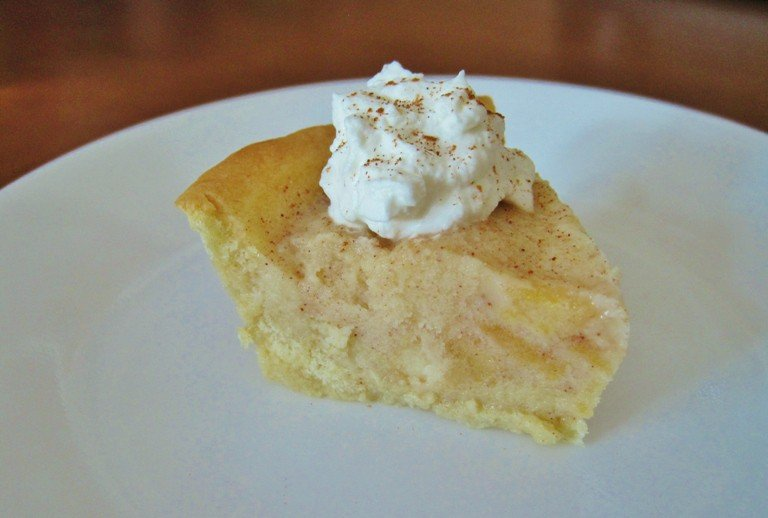 Apple Pie Gelato in a Sugar Cookie Crust