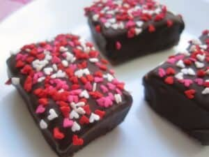 Chocolate Dipped Raspberry Marshmallows