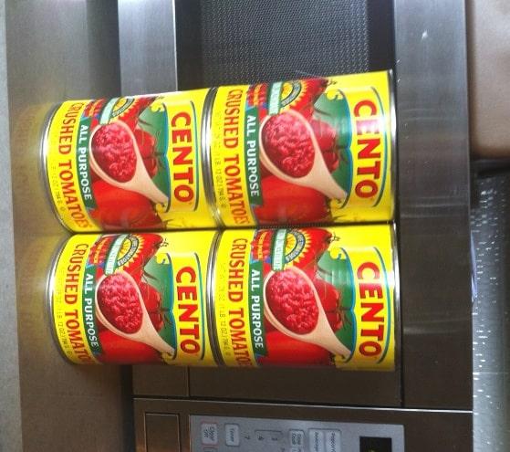 Cento tomato cans