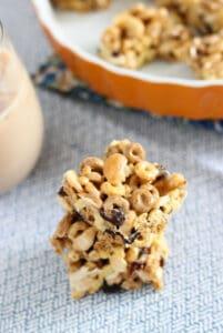 Kitchen Sink Cereal Treats | www.mysequinedlife.com