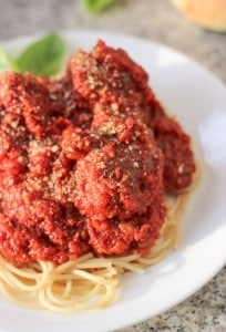Hearty Marinara Sauce and Meatballs - a classic (and delicious) Italian sauce recipe perfect for a crowd. | My Sequined Life