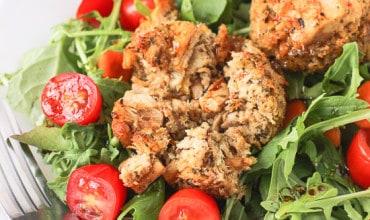 Spicy Tuna Cake Salad with Orange Balsamic Vinaigrette | mysequinedlife.com