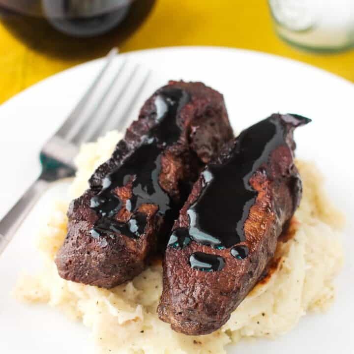 Balsamic Red Wine Flat Iron Steak | mysequinedlife.com