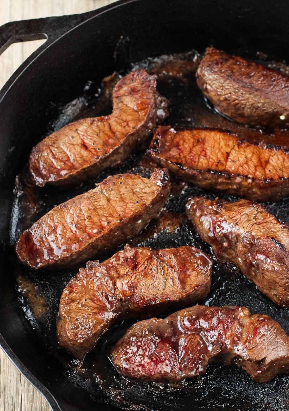 Balsamic Red Wine Flat Iron Steak | mysequinedlife.com