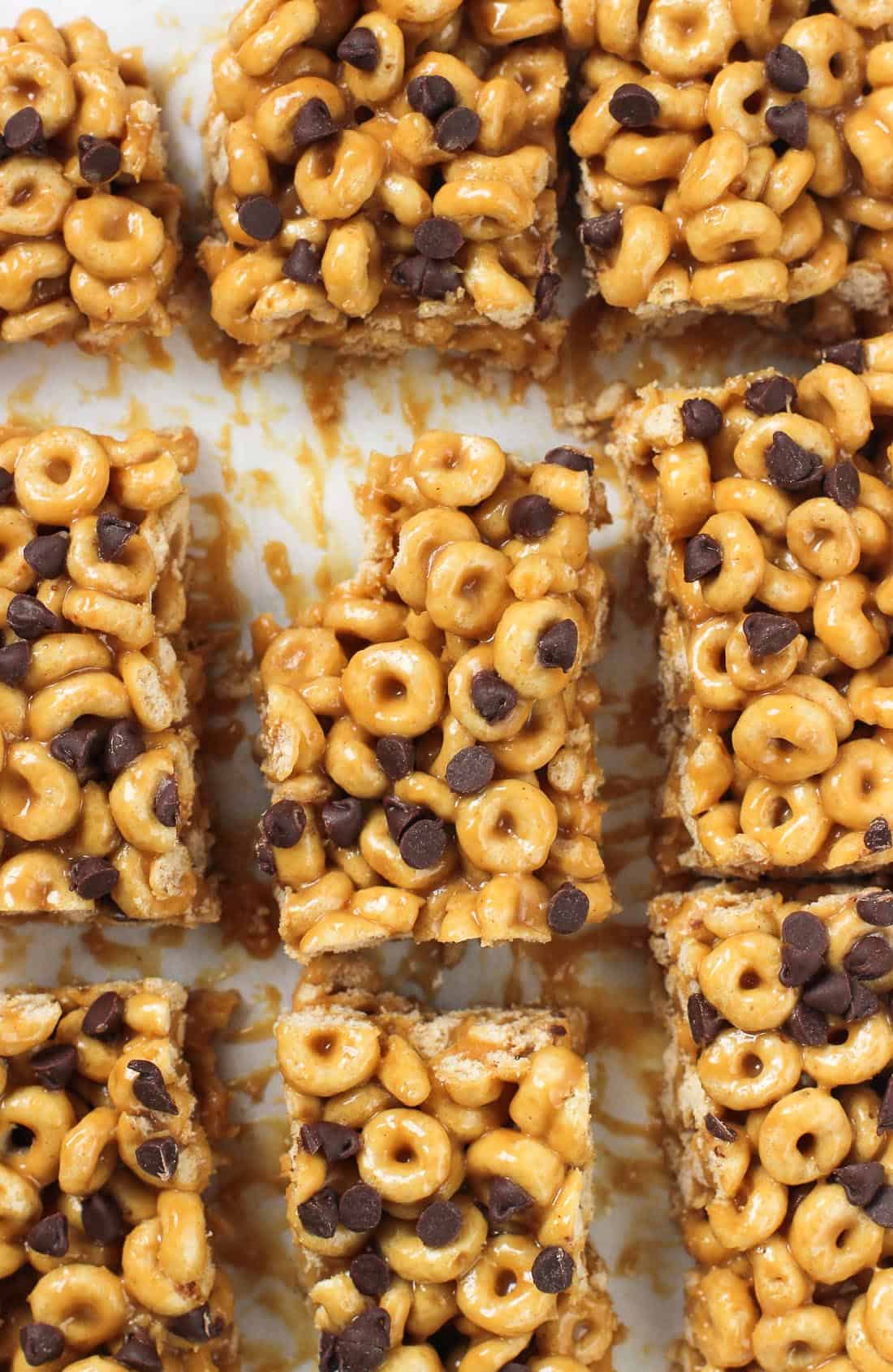 Easy no-bake peanut butter cereal bars are a delicious breakfast or snack recipe made with Honey Nut Cheerios™. Just 4 ingredients!