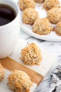 Vanilla chai macaroons feature warm chai-inspired flavors like cinnamon and cardamom in an easy, one bowl coconut cookie recipe. Great for pairing with a mug of tea!